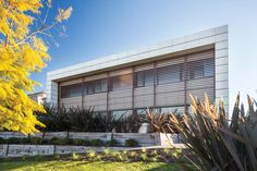 Obra casa estilo actual realizada por el estudio CIBA Construcciones Integrales Bs. As. del arquitecto Fabián Lagares