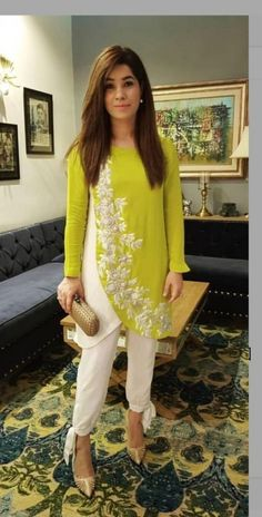 Fashion dresses - Trendy Trouser Designs 2019 In Pakistan FashionGlint Pakistani Dresses Casual, Pakistani Dress Design, Indian Dresses, Indian Outfits, Kurta Designs Women, Blouse Designs, Indian Designer Suits, Kurti Designs Party Wear, Stylish Dresses
