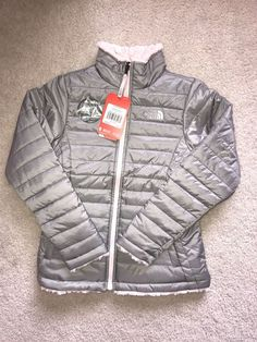 fefdcdde805f7 NWT Girl s The North Face Reversible Mossbud Swirl Jacket Silver SIZE L   110  TheNorthFace