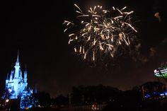 Os fogos foi um show a parte rs, assistimos em um lugar super bem localizado, com direito a Buffet de sobremesa no Terrace Fireworks Dessert Party