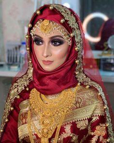 Bridal Hijab Styles, Wedding Dress Styles, Saree With Hijab, Islamic Fashion, Muslim Fashion, Hijab Fashion, Pakistani Bridal Lehenga, Velvet Dress Designs, Hijab Bride