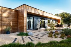 Chalets en bois www. Chalet Design, Cabin Design, House Design, Bungalows, Wood Frame House, Gravel Landscaping, Landscaping Ideas, Dream Home Design, House Extensions