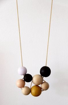 DIY and Freebies: DIY wooden bead necklace