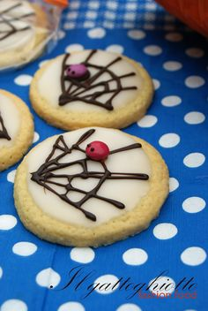 worry wart cookies hes going out of his skull but these easy cookies are no worries for you use the skull comfort grip cutter and color flow i