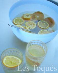Recette cocktail marquisette - recette à base de vin blanc, de crémant, d'orange, d'eau gazeuse. Idéal pour les grandes assemblées