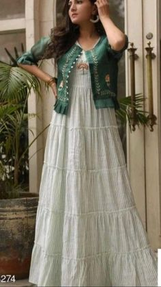 Stylish Dresses For Girls, Frocks For Girls, Stylish Dress Designs, Designs For Dresses, Party Wear Indian Dresses, Designer Party Wear Dresses, Indian Fashion Dresses, Long Gown Design, Frock Patterns