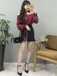 Korean Girl Fashion, Ulzzang Fashion, Korean Street Fashion, Korea Fashion, Asian Fashion, Cute Skirt Outfits, Girl Outfits, Fashion Outfits, Womens Fashion
