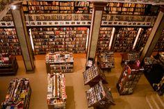 """Libreria """"Puro Verso"""" edificio de ex-Pablo Ferrando, Peatonal Sarandí - Ciudad Vieja - Montevideo - Uruguay"""