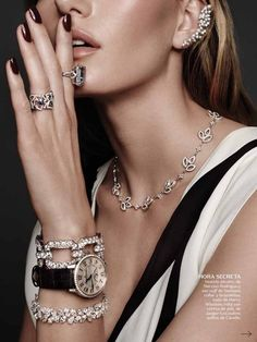 Marique Schimmel Drips With Icy Jewels In Jonas Bresnan Images For Vogue Mexico . - Marique Schimmel Drips With Icy Jewels In Jonas Bresnan Images For Vogue Mexico July 2015 – fall - Charm Jewelry, Jewelry Art, Fine Jewelry, Jewelry Design, Jewelry Ideas, Quilling Jewelry, Jewelry Chest, Jewelry Dish, Jewelry Storage