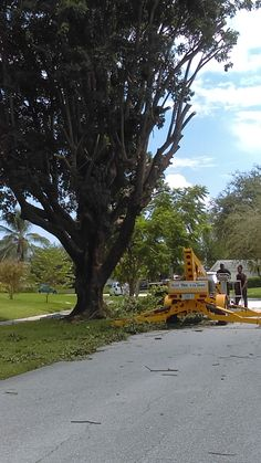 Boomlift at work in North Palm beach