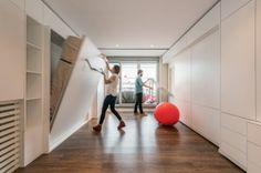 Stella House Optimal Use Of E By Using A Motorized Movable Wall Micro Apartmentstudio