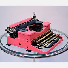 I have pretty much always loved old typewriters. I want one of my own!