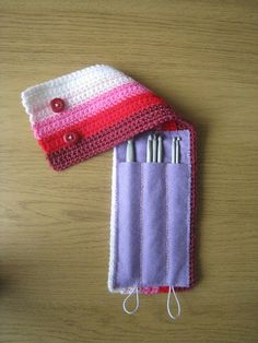 Great crochet hook case ƬⱤღ✿༻