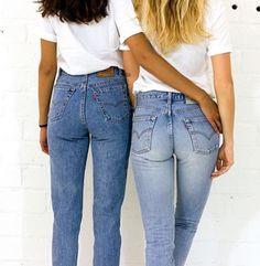 Zeg maar dag tegen lange billen! Lees mijn verhaal over de ultieme Levi's jeans op maat! Een spijkerbroek van MICKKEUS is een musthave voor je wardrobe.. Boost die garderobe met deze vette denim! #MICKKEUS #jeans #levis #fashion #amfi #spijkerbroek #fashionlovers #models #like #shepostsonline #blogger #denim #socialmedia #blog #pinterest