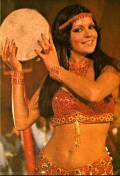 Beautiful Women Pictures, Beautiful Black Women, Vintage Bollywood, Vintage Witch, Bollywood Stars, Bollywood Actress, Actors & Actresses, Wonder Woman, Retro