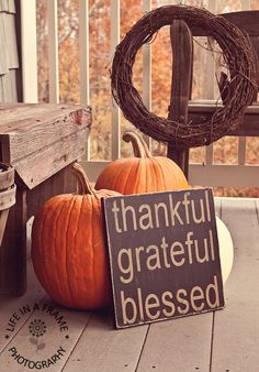 Fabulous fall porch decoration, perfect for Thanksgiving! Thanksgiving Crafts, Thanksgiving Decorations, Fall Crafts, Holiday Crafts, Holiday Fun, Halloween Decorations, Holiday Decor, Happy Thanksgiving, Thanksgiving Blessings