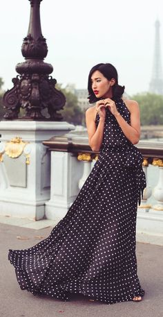 Breathtakingly stunning … these amazing photos by Carin Olsson of Nicole Warne @ Gary Pepper Girl, against a Paris backdrop are just perfect! Nicole is wearing a Carolina Herrera dress. Dots Fashion, Trend Fashion, Spring Fashion, Fashion Women, Paris Fashion, Style Fashion, Beautiful Maxi Dresses, Pretty Dresses, Gorgeous Dress