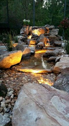 45 Awesome Backyard Ponds and Water Garden Landscaping Ideas Waterfall Design, Garden Waterfall, Rock Waterfall, Backyard Water Feature, Ponds Backyard, Backyard Waterfalls, Backyard Ideas, Backyard Designs, Modern Backyard