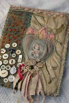 Altered Book Art Diy Handmade Journals New Ideas Handmade Journals, Handmade Books, Handmade Notebook, Fabric Art, Fabric Crafts, Fabric Books, Fabric Book Covers, Altered Books, Altered Art