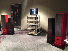 Reference Line ACCORDEON XL4 with #Accuphase and #Fostex in Paris during last Salon Haute Fidelitè 2014 #paris #france #hamysound #bespoke #audiorack #white #highend #loudspeakers #red #bassocontinuo #altafedeltà #japan