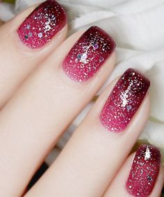 Top 15 Astonishing Red Gel Nail Art Designs with Glitter