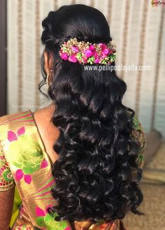 Order Fresh flower poolajada, bridal accessories from our local branches present over SouthIndia, Mumbai, Delhi, Singapore and USA. Saree Hairstyles, Indian Wedding Hairstyles, Bride Hairstyles, Hairstyles Haircuts, Bridal Hairdo, Hairdo Wedding, Wedding Hair Flowers, Flowers In Hair, Engagement Hairstyles