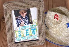 Rope Frame - 40 Rustic Home Decor Ideas You Can Build Yourself Cowboy Birthday Party, Cowgirl Party, Rodeo Party, Birthday Ideas, Photo Frame Crafts, Rope Frame, Diy Rustic Decor, Country Decor, Western Decor