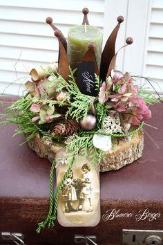 ":::: Adventsdeko "" Krönchennostalgie "" :::: Christmas Craft Fair, Fall Crafts, Christmas Crafts, Christmas Decorations, Table Decorations, Holiday Decor, Queen Birthday, Upcycled Crafts, Nature Crafts"