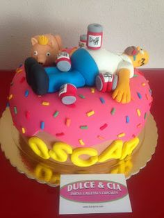 Dulceycia: Tarta Homer Simpson Bolo Simpsons, Simpsons Party, Funny Cake, Caking It Up, Different Cakes, Character Cakes, Fondant Toppers, Cakes For Men, Homer Simpson