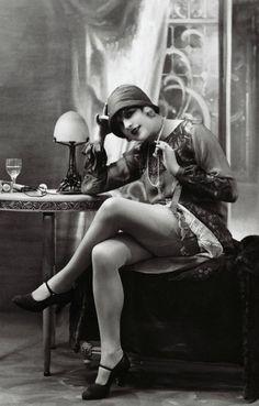 1920 Flapper Girl