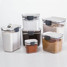 ProKeeper Storage Containers are contemporary, attractive food containers that help you stay organized and your kitchen stay clean.