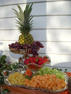 Fruit Cascade Iris and Erik . Fruit Tables, Fruit Buffet, Fruit Trays, Food Trays, Veggie Display, Cheese Display, Wedding Reception Food, Wedding Catering, Catering Table