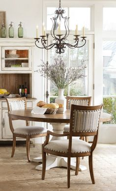 classic elegance in the dining room. love this airy feel