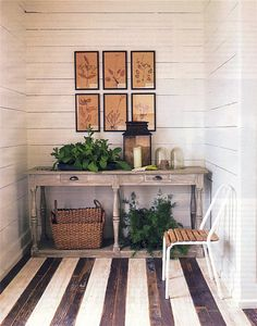 Love this black and white stripes  design - fresh and lovely - for the right home, of course. Excellent for a Metal area (West or Northwest)