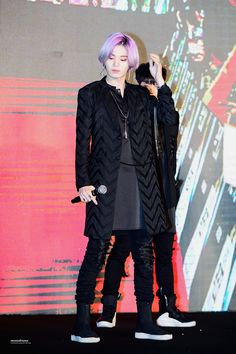 [Appreciation] Remember how Sungjong stunned the whole South Korea with his extraordinary visuals in purple hair? Boy Idols, My Destiny, Woollim Entertainment, Lee Sung, Purple Hair, Celebrity Photos, South Korea, Infinite, Punk