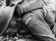 Massacre à Dieppe Canadian Soldiers, Canadian Army, British Army, Dieppe Raid, Royal Canadian Navy, Army Infantry, Man Of War, Military Photos, D Day
