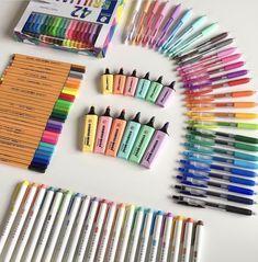 Stationary Store, Stationary School, School Stationery, Cute Stationery, School Suplies, Cool School Supplies, Stabilo Boss, School Items, Study Inspiration