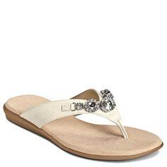 Aerosoles Chlementine - White Patent. #summer #sandals
