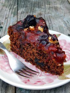 Mézes finomságok...: Aszalt szilvás torta...