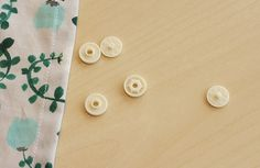 子ども(キッズ)用エプロンの作り方 Stud Earrings, Children, How To Make, Japanese Clothing, Young Children, Boys, Stud Earring, Kids, Earring Studs