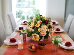 Up the elegance at your wedding reception with a gorgeous DIY table setting.