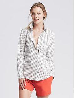 Fitted Non-Iron Angle Dot Shirt - Shop for women's Shirt - White Shirt Fall Capsule Wardrobe, Tailored Shirts, Blouse Outfit, Modern Outfits, Banana Republic Tops, Work Casual, Shirt Shop, Workout Shirts, Shirt Blouses