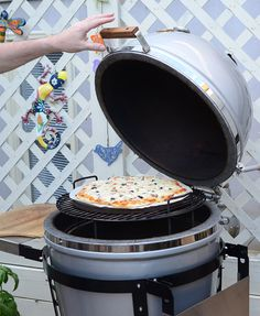 How to grill a pizza on a kamado grill, in particular the Grill Dome | NibbleMeThis.com