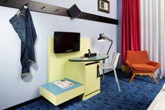 25hours Hotel Frankfurt by Levi's L-Zimmer Desk
