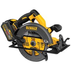 Deliver the power and cut capacity of a corded circular saw with this DEWALT FLEXVOLT MAX Lithium-Ion Cordless Brushless Circular Saw with Battery Pack. Cordless Circular Saw, Circular Saw Reviews, Best Circular Saw, Woodworking Power Tools, Woodworking Projects, Router Woodworking, Fine Woodworking, Wood Projects, Wood