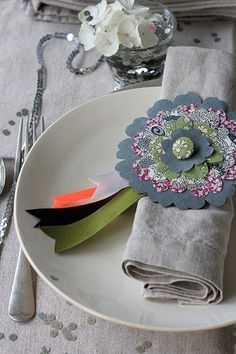 """From Decor 8 -- how about doing something similar with awards for a Kentucky Derby party or even awards for your friends """"best talker"""" """"best texter"""" etc."""