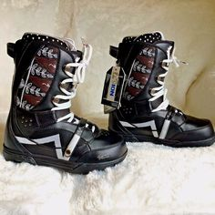 New Womens Vans Hi Standard Snowboard Boots Size 7 5 Agion Black Hearts Leaves | eBay