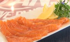 Une recette simplissime pour un saumon qui a du goût ! Un saumon idéal pour les fêtes...  Saveur, Grapefruit, Food, Dish, Meals, Yemek, Eten