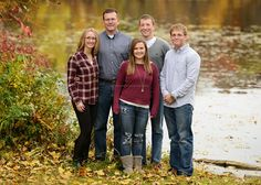 Ham Lake family photographer. Fall family photos with teens and older kids, adult children by a lake.