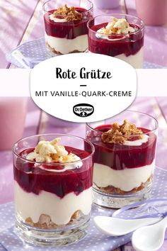 Red groats with vanilla curd cream-Rote Grütze mit Vanille-Quark-Creme Red groats with vanilla and curd cream: The classic red groats with vanilla sauce becomes a creamy layered dessert with curd board - Chocolate Cookie Recipes, Easy Cookie Recipes, Healthy Dessert Recipes, Easy Desserts, Smoothie Recipes, Chocolate Cake, Dessert Simple, Cottage Cheese Desserts, Desserts Sains
